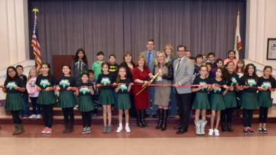 New traffic signal for Mint Canyon Community School